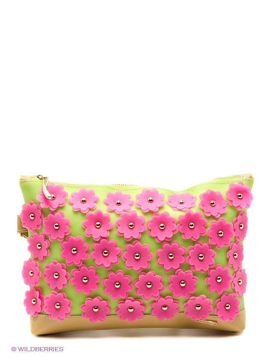 ebe6edf4fe44 Женские сумки с принтами в стиле пэчворк – свежая идея в моде. Изделия  сшиты из маленьких лоскутов разноцветной кожи. Ярко выглядят и текстильные  модели.